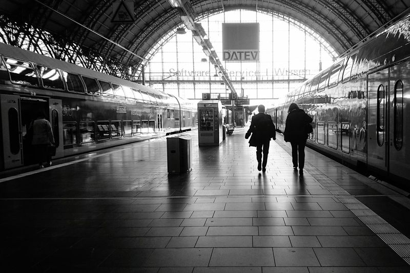 Showcase April Public Transportation Bw_collection EyeEm Best Shots - The Streets EyeEm Deutschland Regionalexpress Db Regio Doppelstock Hauptbahnhof Peoples Light And Shadow Sony Xperia Photography. Sony Xperia Z5 Compact For You ;-)