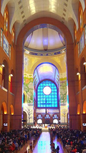 Church Large Group Of People Architecture Indoors  Religion People Illuminated Churches Collection Churches Church Built Structure Stained Glass Architecture Indoors  Flores Cores Vida E Sons Window Blue Church Architecture Spirituality