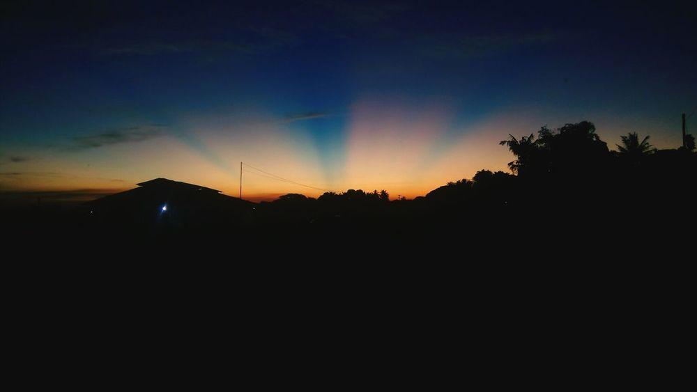 Naturesbeauty Sunset Sunsetrays Sunset View. Landscape Natural Phenomenon Sunset_captures Sunsetlover Sunset Lovers Sunset_pics Sunsetphotographs