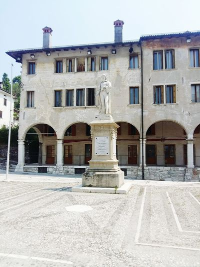 Statue in Piazza So Quite .... Sunny Day Visiting Mountain Town