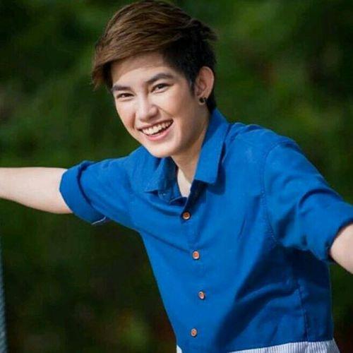 Tinasuppanad Singer And Artist Asian  Thailand