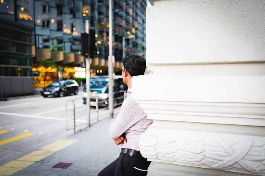 Waiting without promise. Leicaq Summilux Portrait Tsim Sha Tsui 尖沙咀 HongKong Candid