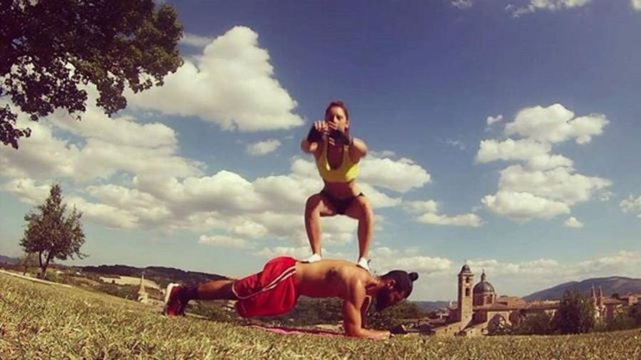 Coupleworkout Workout Coupletraining Training Fitness Fitnesslife Fitnesslifestyle  Abs Squats Plank Isometric Health Healthy Healthylifestyle Healthychoices Gain Nopainnogain Muscle Muscleandhealth Gym GymTime GymLife Sport Motivation Sacrifice definition dedication like love passion
