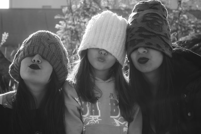 100D Canon Casual Clothing Day Enjoyment Focus On Foreground Fun Girls Headshot Longhair Monochrome Mouth Noses Outdoor Portrait Rio Claro Sl1 Together