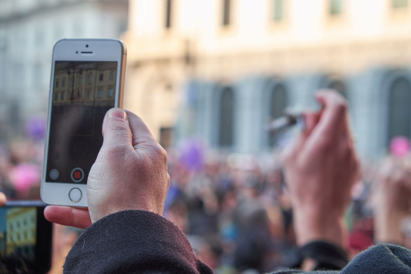 Svegliatitalia Demonstration for Civil Rights  . Taking Photos Taking Pictures PeopleTaking Photos Of People Taking Photos Photojournalism Hand Smartphone Eye4photography  Streetphotography Check This Out Photography In Motion
