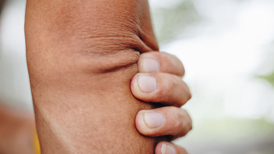 Human Body Part Human Hand Body Part Hand Focus On Foreground Close-up One Person Real People Finger Human Finger Men Day Lifestyles Holding Males  Leisure Activity Skin Fist Outdoors Human Limb