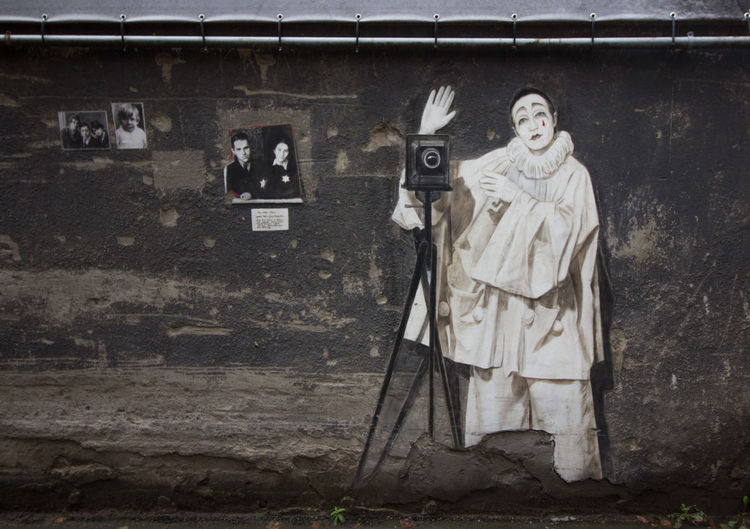 Camera Man Lithuania Wall Painting Grays Kaunas No People Oldschool Outdoors Kiemogallery EyeEmNewHere