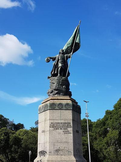 Aterro Do Flamengo,Rio DeJaneiro—Brasil Statue Sculpture Flag Tree History Sky Architecture Cloud - Sky