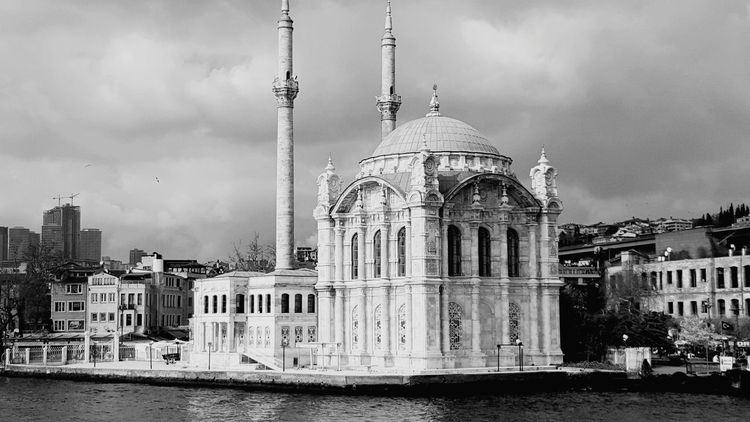 Mosque Ortaköy Ortaköycamii Ortaköy Mosque Bosphorus Architecture Built Structure Dome Building Exterior Travel Destinations Sky No People Outdoors City Day Politics And Government