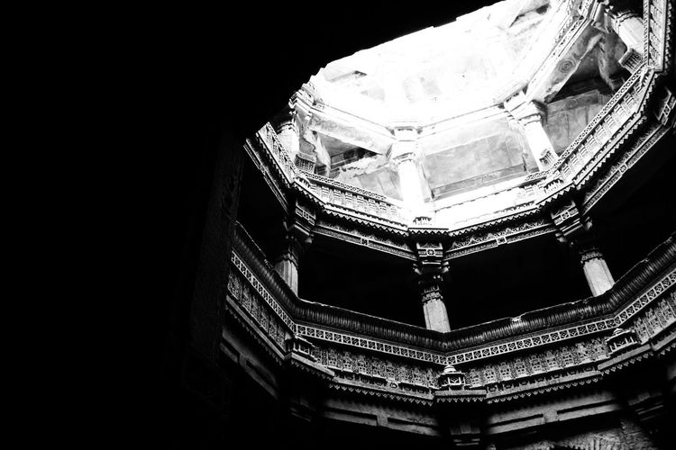 Architecture Built Structure No People Black Background Indoors  EyeEmBestPics Traveldiaries Canon Photography Canon1200d EyeEm Selects Check This Out EyeEm Gallery The Week On EyeEm Day Travel Destinations Architecture_collection Blackandwhite Shadow Welcome To Black Adalajstepwell Gujarat Ahmedabad Shadows & Lights Blacklove Black And White Friday