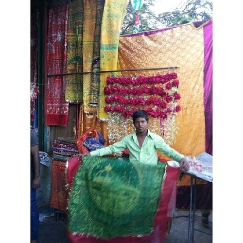 'Chaddar' seller at Haji Ali Instameethajiali Instameethajialicontest Wwim8 Mumbai_igers mumbai_instagrammers