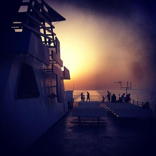 #meer #mare #tirrenia #cagliari #napoli Cagliari Napoli Mare Fähre Meer Eisen Mittelmeer Stahl Traghetto Tirrenia Autofähre