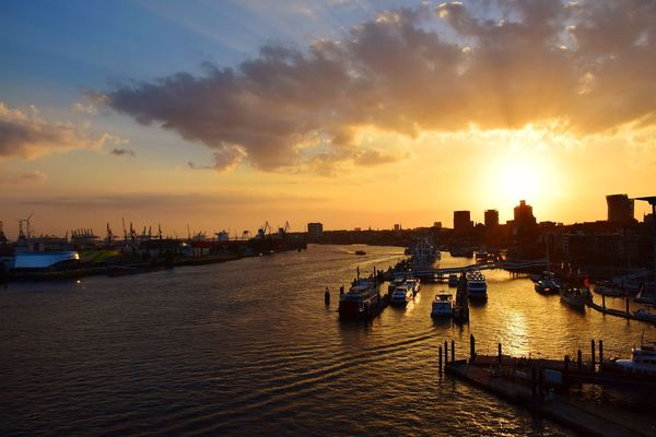 Nature Beauty In Nature Sunlight Sunshine ☀ Day Outdoors Focus On Foreground River Elbe ♥️ City Water Sunset Urban Skyline Nautical Vessel Sky Cloud - Sky Cityscape Skyline Urban Scene City Location River Tall - High