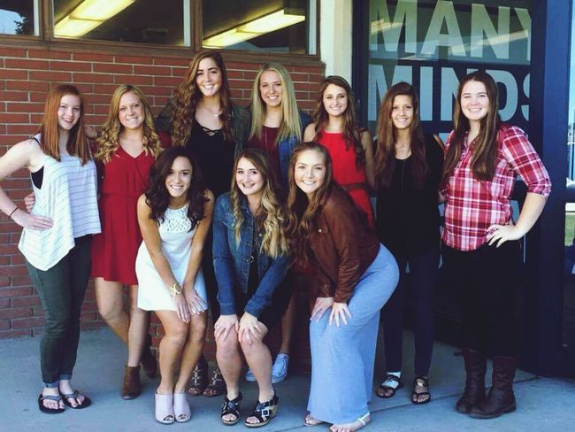 Varsity making our way to the top🔥 Senioryear 2016♡ Washington State Class Of 2017 Eastern Washington Quality People Volleyball Go Cats