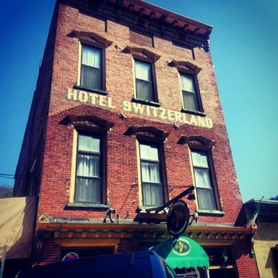 The Hotel Switzerland Jimthorpe Mauchchunk Valley Mountains historical poconos Molly's inn brick oldbuildings 1890s