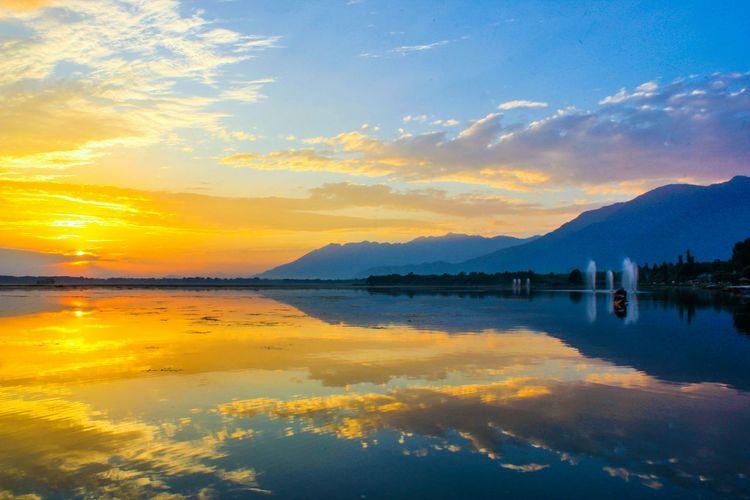 The Traveler - 2015 EyeEm Awards Dal Lake, Kashmir First Eyeem Photo