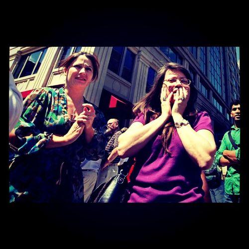 (ABCnewsPhoto) Earthquake Vaearthquake Nyearthquake people react to the quake in NYC
