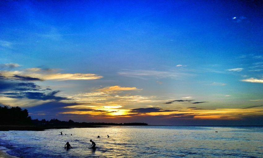 """Hard work, disciplined habits, modesty in living, contentment and cheerfulness."" - Visvesvaraya Sunset Lifeisabeach Silhouette Celebrate Life ✨✨✨"