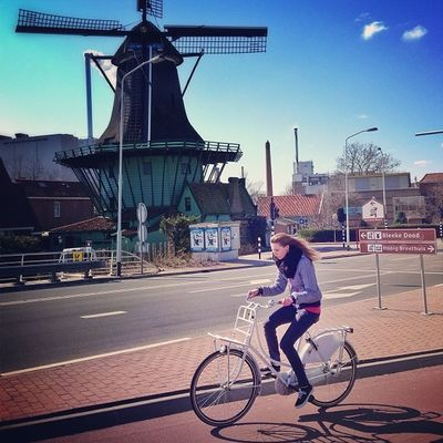 Holland countryside, just 20 mins from #amsterdam ???☀#relax #holland #bicycle #alan_in_amsterdam #bike #dotz #gf_daily #gang_family #gramoftheday #holland #igers #ic_cities #igholland #igersholland #insta_holland #koog #windmill #countryside Alan_in_amsterdam Insta_holland Amsterdam Igholland Relax Koog Holland Bike Bicycle Windmill Countryside Gang_family Gf_daily Igers Igersholland Dotz Ic_cities Gramoftheday