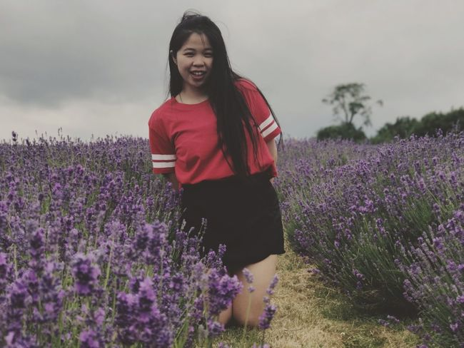Lavender Flower Growth Field Lavender Colored Purple Nature Plant Beauty In Nature Teenage Girls One Person Three Quarter Length Real People Teenager Outdoors Young Women Lifestyles Agriculture Young Adult Day EyeEm LOST IN London