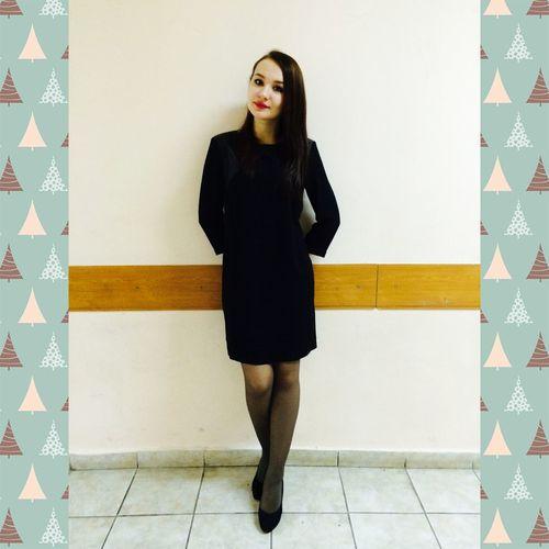 Hello World That's Me Fashion Cristmas School Girl Like Followme Daydreaming