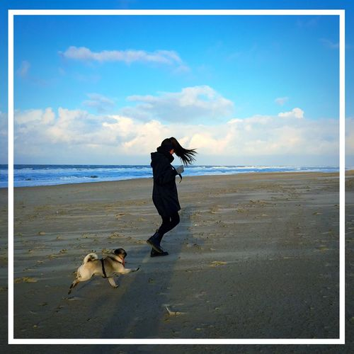 Lina Playing With The Animals Sea And Sky Colour Portrait Enjoying Life This Must Be The Place