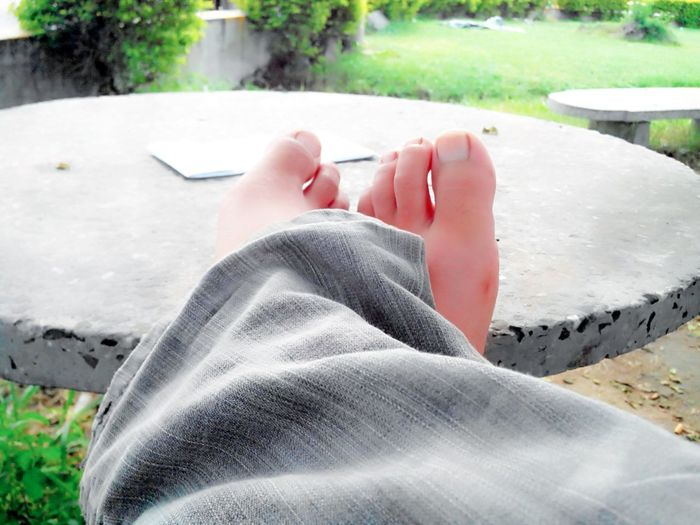 Someday someone will walk into your life and make you realize why it never worked out with anyone else!! Hi! That's Me My Feets My Feet Are Awesome 😜 Check This Out Hanging Out Enjoying Life Relaxing In The Garden Taking Photos EyeEm EyeEm Gallery EyeEm Best Shots Eyeem Photography TagForLikes Quote Of The Day  Good Night World Sweet Dreams First Eyeem Photo