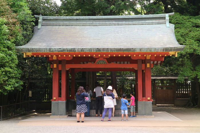 Chozuya of Hikawa Shrine, Omiya (Saitama) Japan. Chozuya is the palce for ritual cleansing of hands and mouth with water before entering the main gate of a shrine. Architecture Cleansing Ritual Gazebo Outdoors Place Of Worship Shinto Of Japan Shinto Shrine Water