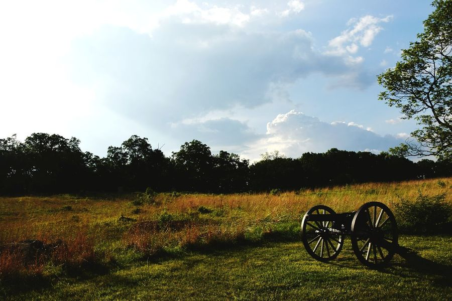 Gettysburg National Military Park Gettysburg Pennsylvania Cannon History Clouds Cloudscape The Week On EyeEm Landscape Cloud - Sky Sky Military Scenics Civil War Military History Civil War Cannon Civil War Battle Field