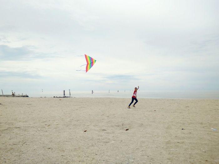 回金宝路上... Full Length Girls Beach Flying Vacations Outdoors People Kite - Toy Sea Motion Beauty In Nature Malaysia Driving Malaysia Truly Asia EyeEm Gallery EyeEm Best Shots OppoFind7a Eyeme Best Shot OPPO Sunlight