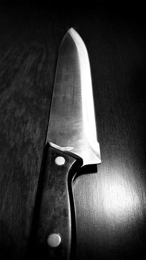 Utensils series - knife - black and white Black & White Black And White Photography Black And White Knife Knifeporn Knives Knivesfever Kniveporn Close-up Closeupshot Close Up Sharp Blade Blade