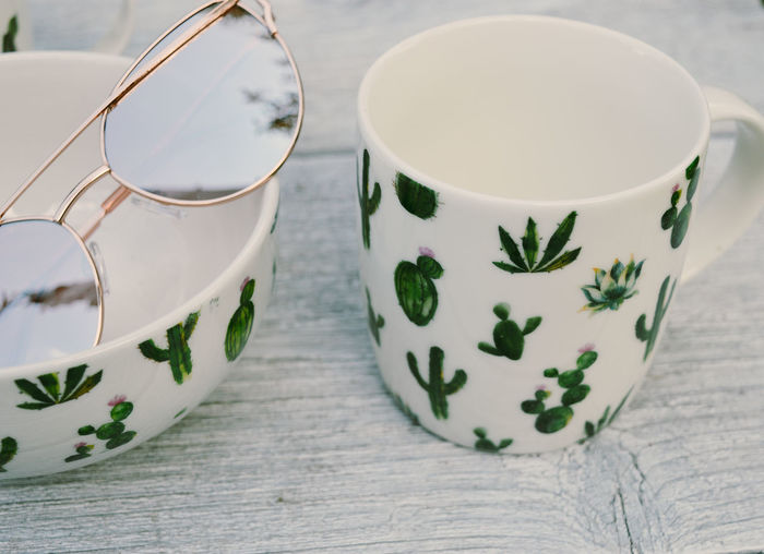 Cactus Fashion Green Modern Relaxing Ceramics Close-up Cup Day Drink Floral Pattern Food And Drink Indoors  Mug Pattern Refreshment Relax Still Life Style Summer Sun Sunglasses Table Vacation White Background The Still Life Photographer - 2018 EyeEm Awards The Creative - 2018 EyeEm Awards Creative Space