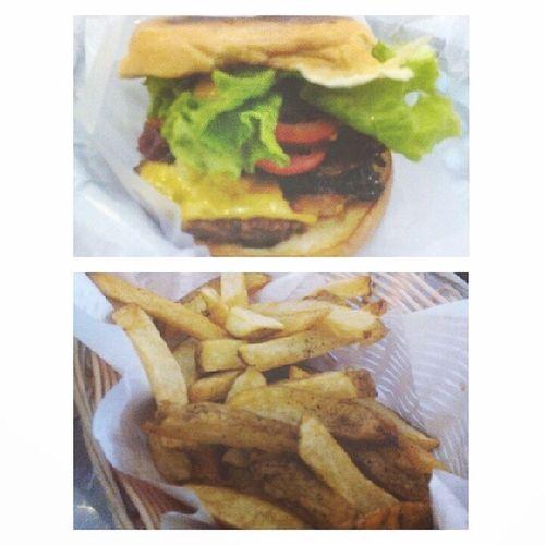 The Perfect Combo <3 BaconWagyuCheeseburger Fries Charliesgrindandgrill HappyTummy foodporn wagyubeef