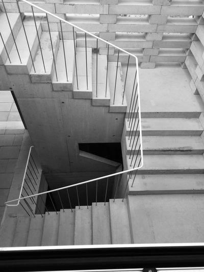 The Purist (no Edit, No Filter) Huaweiphotography HuaweiP9 Huawei P9 Leica No People No Edit/no Filter Hand Rail Steps And Staircases Steps Staircase Stairs Architecture Built Structure 17.62°