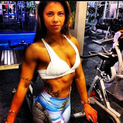 Correndo atrás de um sonho Estreantes Welness BodybuilderLifeStyle Gym fitgirl 8weekstochallenge foco pracima noix Preparador emmanuelmartyres Acompanhamento médico @drgustavootto