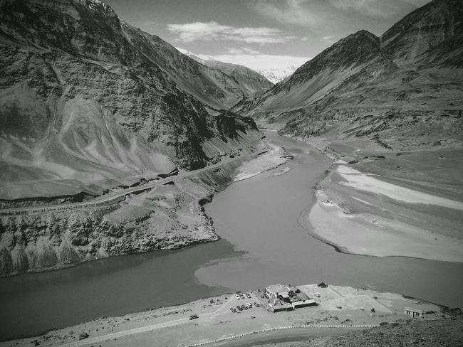 Confluence of the Zanskar and mighty Indus river Ladakh Zanskar River Indus River Mountains And Rivers