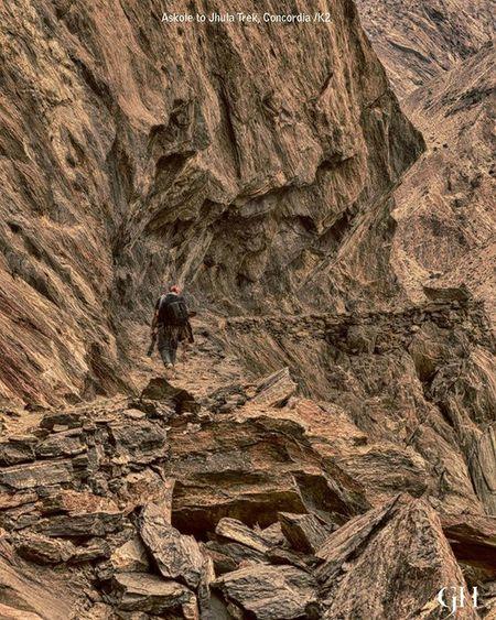 Moving towards Concordia/K2 Image from the archive of 2014 Concordia K2 Trekking Trek Photography Ghalibhasnainphotography Ghalibhasnain Rocks Mountains Gilgitbaltistan Dawndotcom K2trek Tour2014 Pakistan