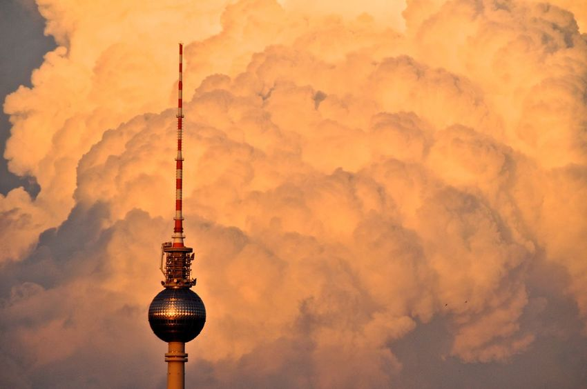 Berlin Berlin Love Berlin Photography Berlin, Germany  Berlin-Mitte Fernsehturm Mitte TV Tower Architecture Berlincity Berliner Ansichten Berlinstagram Built Structure Cloud - Sky Communication Outdoors Sunset Television Tower Tower Travel Destinations EyeEmNewHere #FREIHEITBERLIN