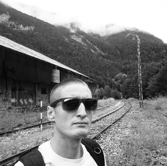 Estación de Canfranc Station Train Canfranc Canfrancinternationalstation Iphone7 Sunglasses Glasses One Person Real People Headshot Portrait Fashion Nature Lifestyles Men Day Transportation