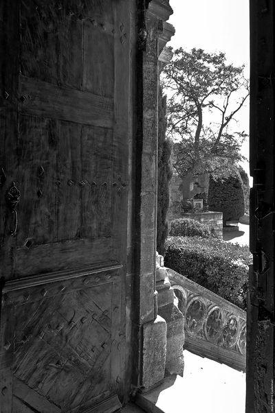 Les Baux-de-Provence Ancient Architecture Black & White Black And White Blackandwhite Built Structure Chaleur Close-up Day Door History Les Baux De Provence No People Noir Et Blanc Provence Shadows & Lights Summer Summer Heat Tree