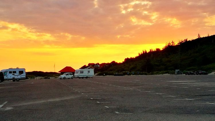 Cloud - Sky Beach Outdoors Sunrise Summertime Foto Summer Travel Destinations Parking Area Lifestyles Sunlight