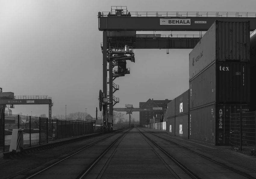 Winter Tristesse Outdoors No People Darkart Dark Industrial Building  Industrial Architecture Industrial Photography Moody Industriekultur Industrial Darkness And Light Bnw Bw Blackandwhite Berlin Westhafen Crane EyeEmNewHere Adapted To The City Stereotopie The Architect - 2017 EyeEm Awards