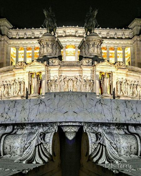 """Altare Altered"" ""Altare Alterato"" Rome Roma Italy Italia Repostromanticitaly Altaredellapatria Photobydperry Lazio Amazing_italy Amazing Ig_italy Ig_lazio Discoverglobe Topeuropephoto Noidiroma Architecture Travel Myrome Instagood Ig_rome Ig_roma Worldtravelpics Worldtraveler Photooftheday Inspiremotivate"