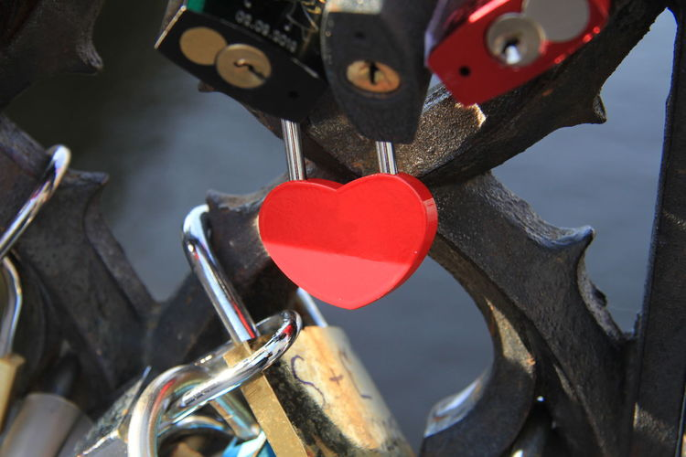 Red Heart Shape Love Positive Emotion Bicycle Metal Close-up Transportation Emotion Focus On Foreground No People Lock Security Padlock Outdoors Hanging Day Safety Lovelocks Love Lock Bridge Valentine's Day  Valentine Valentine's Day - Holiday Heart
