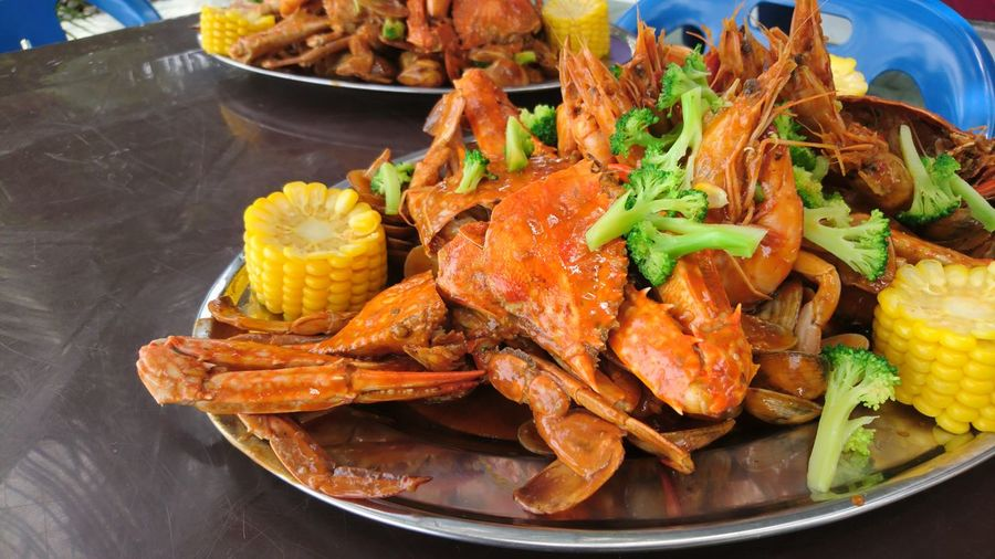 Seafood galore Localdish Malay Food Malaysian Food SEAFOOD🐡 Seafoods Crab Shellout Shell Out EyeEm Selects Food Food And Drink Plate Seafood No People Ready-to-eat Meat Freshness EyeEmNewHere