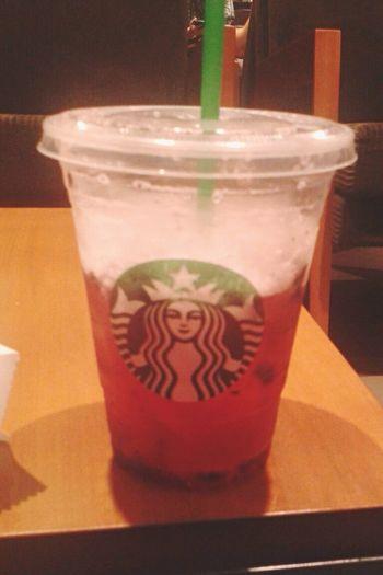 Starbucks Coffee Refresh Redfruits 😻☺️👌🏻