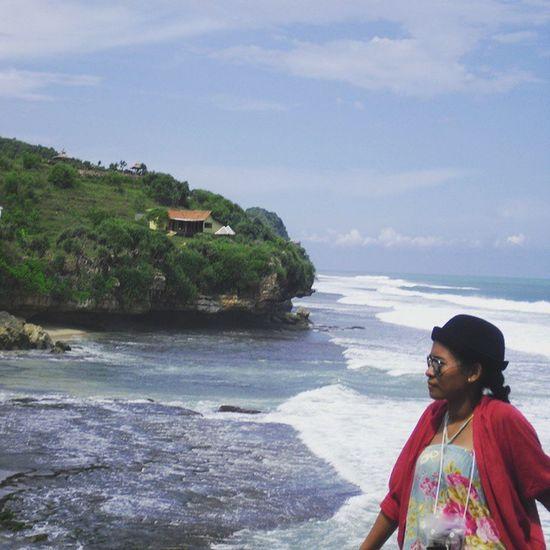 rindu pantai.. Exploreindonesia Explorejogja Ekplorepantaiindrayanti Throwback
