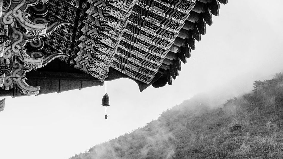 Korean Architecture Korean Temple Korean Traditional Pattern Korean Traditional Architecture Korean Buddhist Temple Monochrome Pattern Pieces Pattern, Texture, Shape And Form Black And White Blackandwhite Photography Black & White Architectural Detail Architecture_bw Architecture Eaves Roof Rooftops Rooftop Roofs Roof Top Roof Structure Showcase: February The Architect - 2016 EyeEm Awards