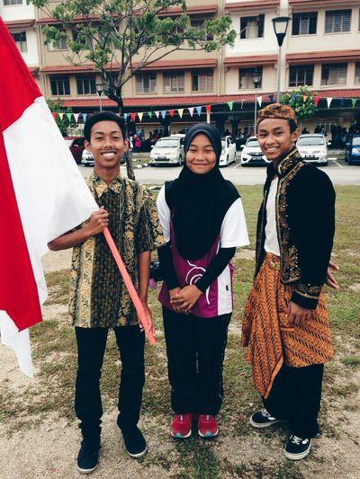 Wak Jawa dan Pak Indon bersama saya kini Sportday