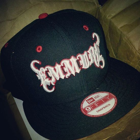 NewEra never disappoints! Sick Swag Emmure  Unboxing 9fifty Snapback @victoryrecords @emmuremusic